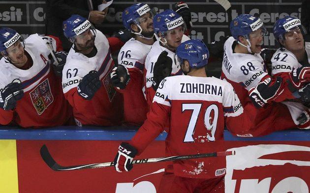 Tomáš Zohorna se raduje po proměněném trestném střílení ve čtvrtfinále MS proti Spojeným státům.