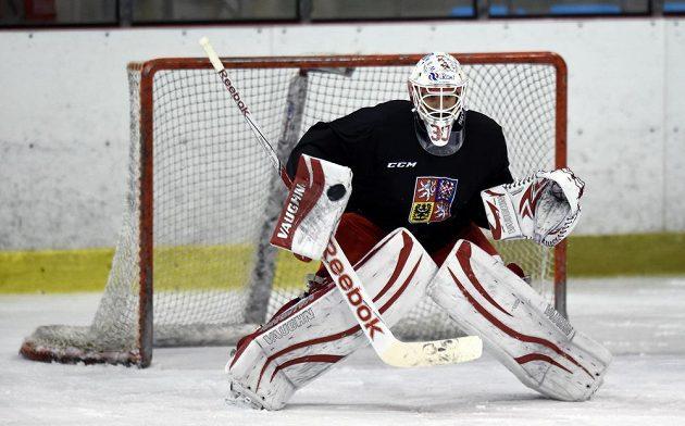 Brankář Štěpán Hrubec během tréninku české hokejové reprezentace.