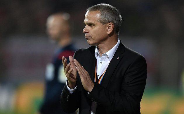 Trenér Sparty Vítězslav Lavička během utkání 11. kola Synot ligy v Brně.