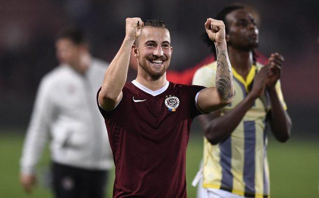 Radost Lukáše Váchy po vítězství v utkání základní skupiny Evropské ligy s Young Boys Bern.