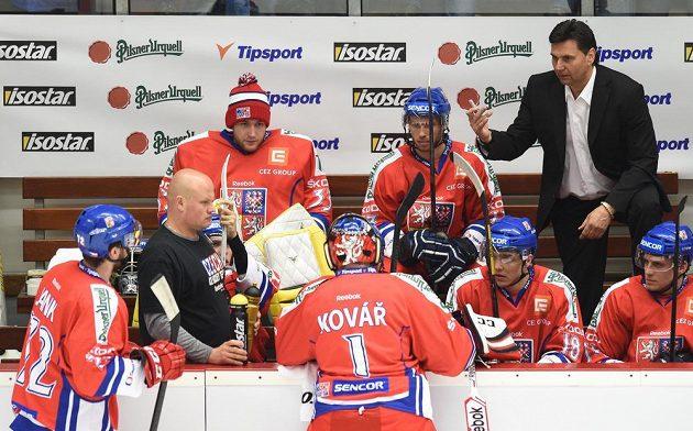 Trenér české hokejové reprezentace Vladimír Růžička během utkání Euro Hockey Challenge proti Norsku na stadiónu Kotlina v Havlíčkově Brodu.