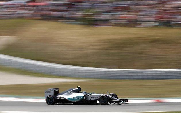 """Pilot Mercedesu Rosberg se svým """"mechanickým ořem"""" ve vedení Velké ceny Španělska"""