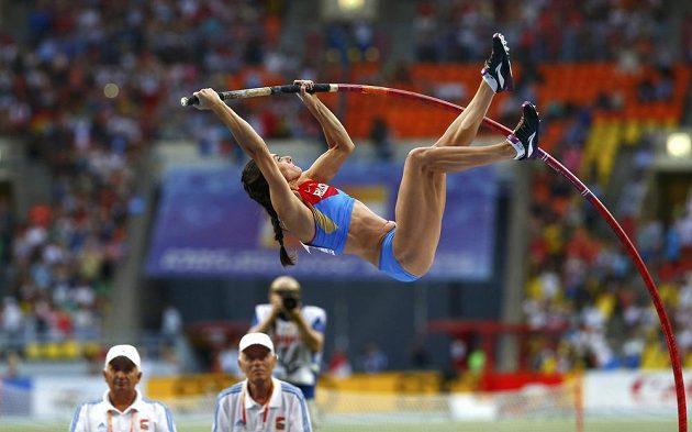 Ruská tyčkařka Jelena Isinbajevová během mistrovství světa v Moskvě.