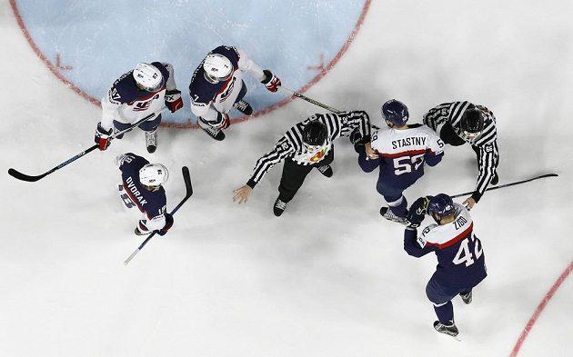 Slovensko - USA. Kdo vyhraje?
