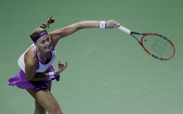 Petra Kvitová v akci během semifinále Turnaje mistryň.
