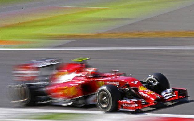 Ferrari Kimiho Räikkönena při kvalifikaci v Monze.