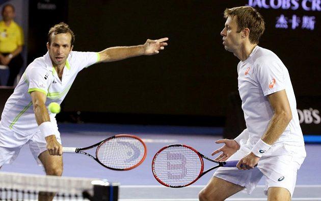 Radek Štěpánek a jeho kanadský parťák Daniel Nestor ve finále čtyřhry v Melbourne.