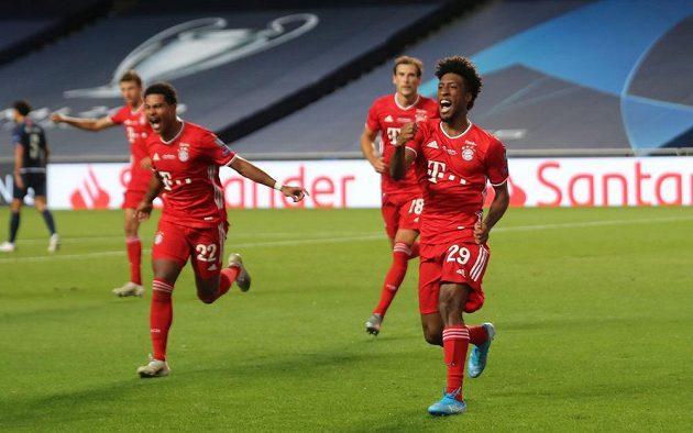 Radost fotbalistů Bayernu po prvním vstřeleném gólu ve finále LM.