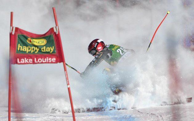 Ester Ledecká se při super-G v Lake Louise dostala do těžké situace.