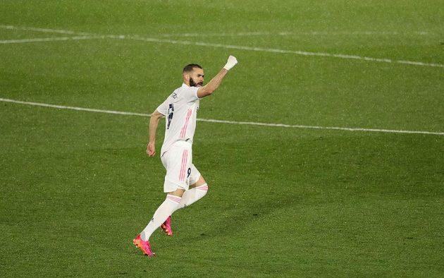 Útočník Realu Madrid Karim Benzema po vyrovnávacím gólu proti Chelsea.