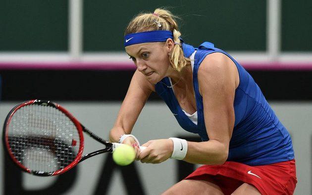 Česká tenistka Petra Kvitová během utkání s Andreou Petkovicovou z Německa ve finále Fed Cupu.