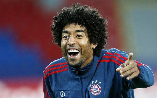 Brazilský zadák Dante z Bayernu na tréninku v Plzni.