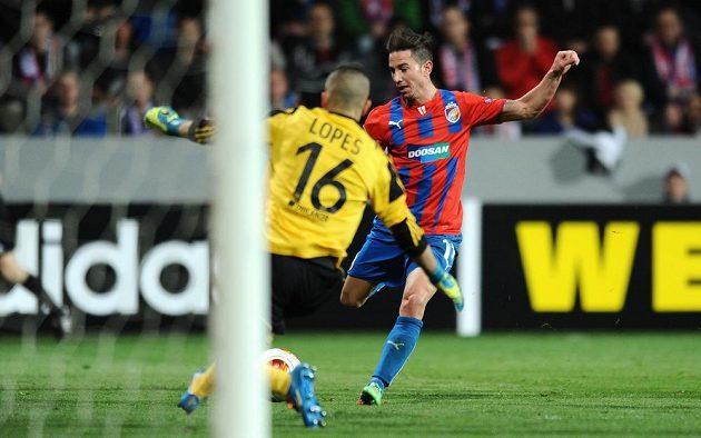 Plzeňský záložník Milan Petržela během utkání osmifinále Evropské ligy proti Lyonu.
