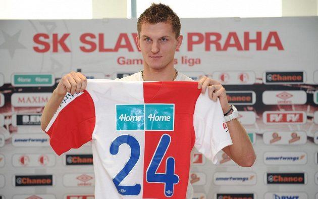 Tomáš Necid oblékne slávistický dres s číslem 24, což koresponduje i s jeho věkem.
