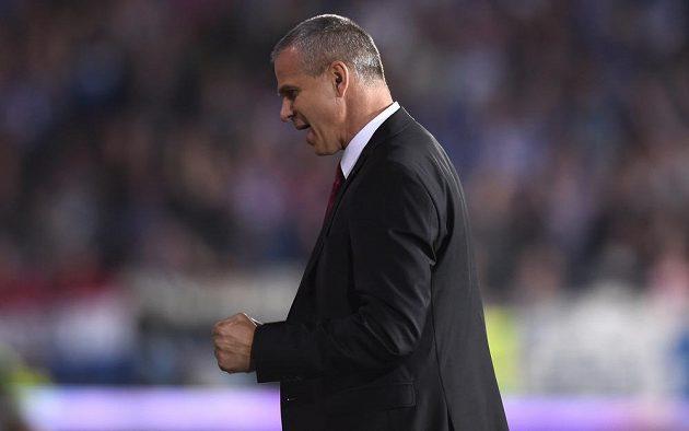 Radostné gesto trenéra Sparty Vítězslava Lavičky po vítězství nad Zwolle a postupu do základní skupiny Evropské ligy.