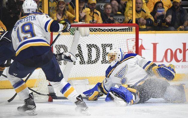 Hokejisté St. Louis Blues prohráli v play off NHL na ledě týmu Nashville Predators 1:3 a sezóna pro ně skončila.
