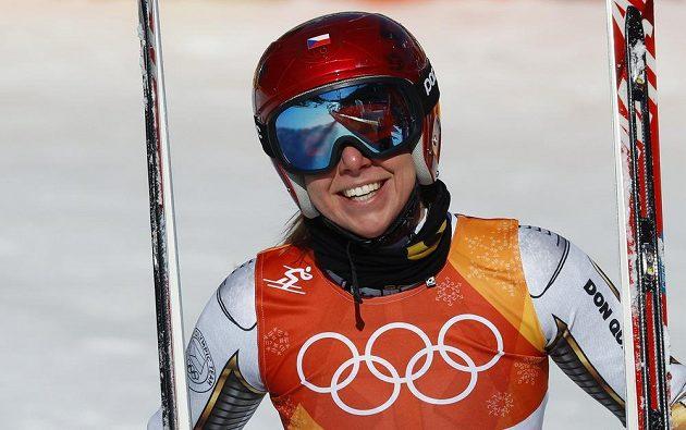 Ester Ledecká pokořila v super-G všechny lyžařské specialistky a získala nečekané olympijské zlato.