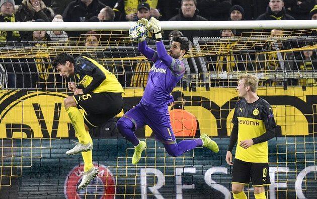 Velký podíl na výhře Dortmundu měl i vynikající brankář domácích Roman Bürki.