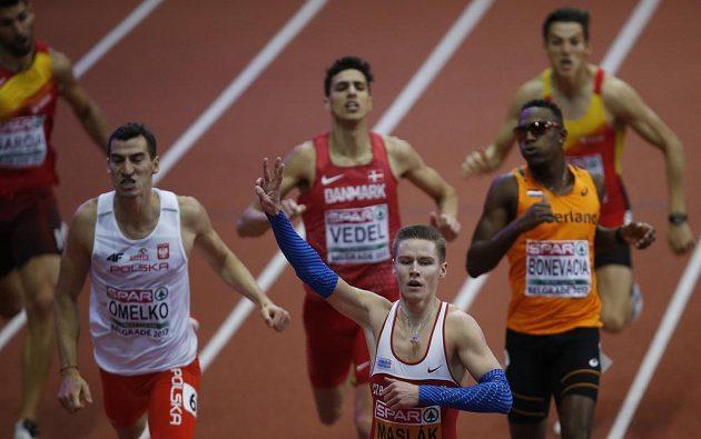 S velkou převahou vyhrál Pavel Maslák v Bělehradě finálový běh na 400 metrů.