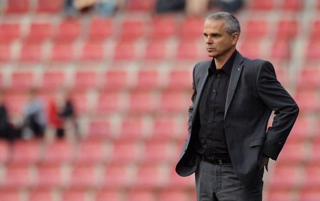 Trenér Sparty Praha Vítězslav Lavička má teď plnou hlavu starostí.