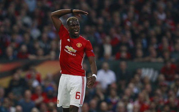 Rozzlobený Paul Pogba z Manchesteru United v odvetě semifinále Evropské ligy.