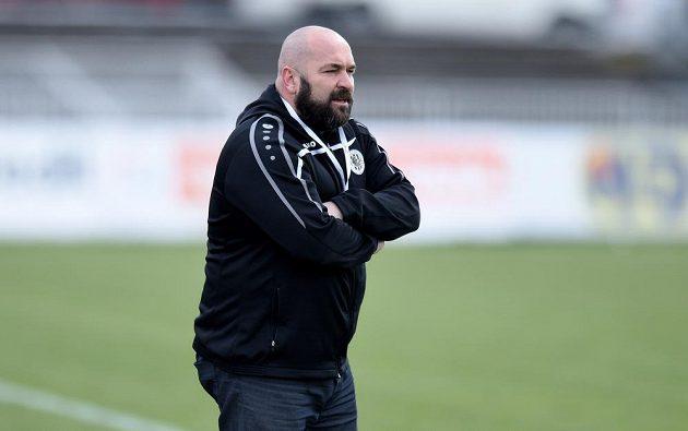 Hradecký asistent trenéra Bohuslav Pilný při utkání se Spartou.