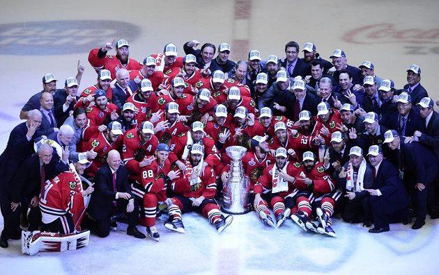 Společené foto se slavným Stanley Cupem.