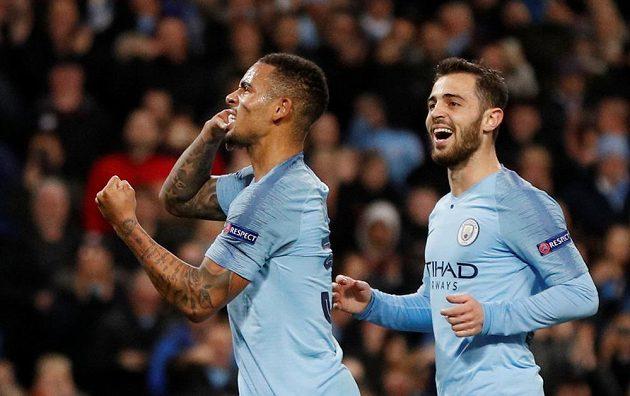 Manchester City zahrával v Lize mistrů dvě penalty, obě proměnil Gabriel Jesus a pak náležitě slavil.