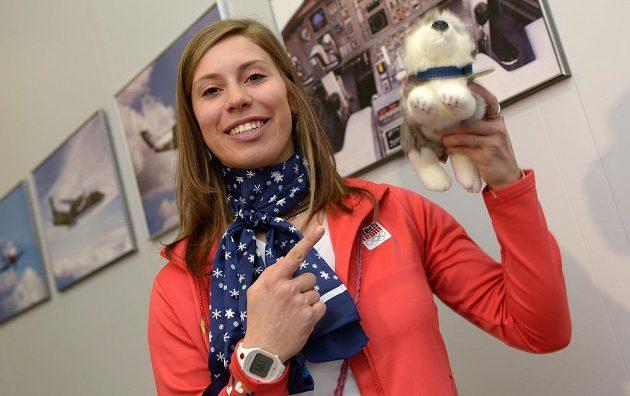 S úsměvem do Soči z Kbel vyrážela snowboardistka Eva Samková.