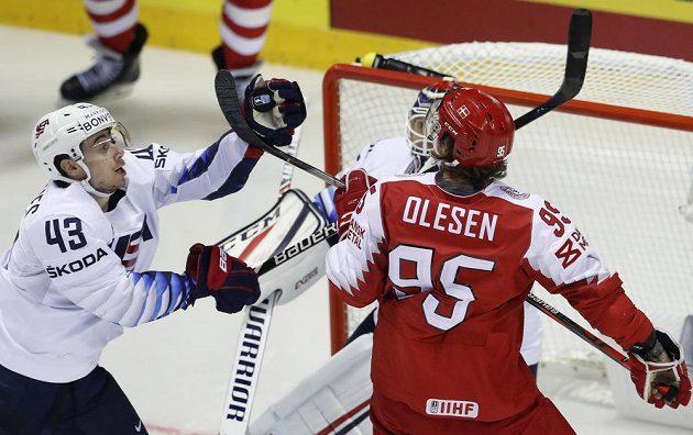 Nick Olesen v obranné práci proti Spojeným státům