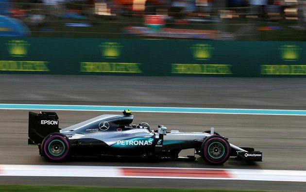 Nico Rosberg během závodu v Abú Zabí.