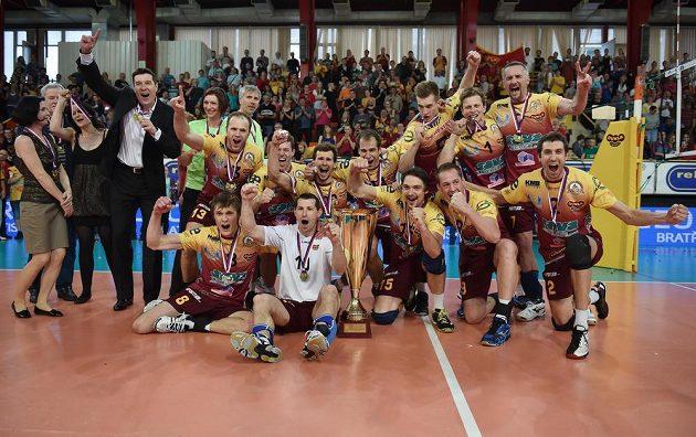 Liberečtí volejbalisté slaví mistrovský titul.