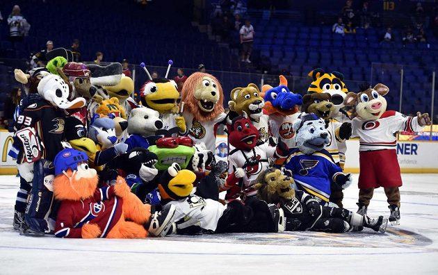 Do Nashvillu se sjeli i maskoti všech týmů NHL.