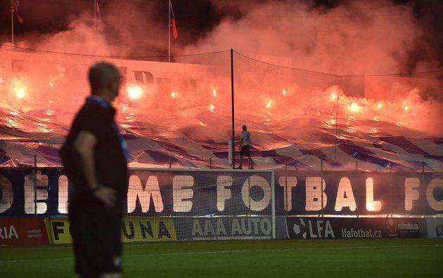 Fanoušci Baníku při utkání ve Zlíně.