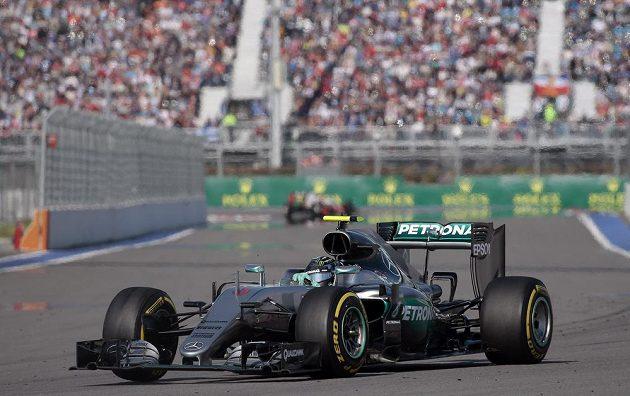 Nico Rosberg na trati Velké ceny Ruska v Soči.