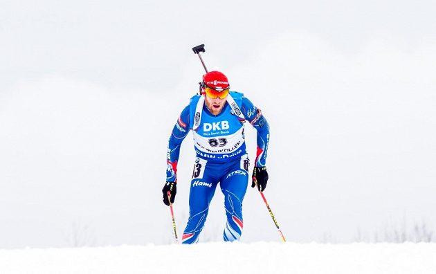 český biatlonista Michal Šlesingr na trati sprintu.