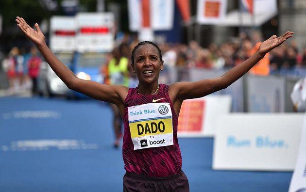 Firehiwot Dadová, vítězka 20. ročníku Pražského maratónu.