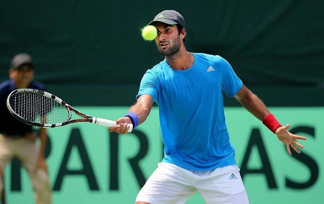 Indický tenista Yuki Bhambri nezvládl duel proti Jiřímu Veselému v baráži o Světovou skupinu.