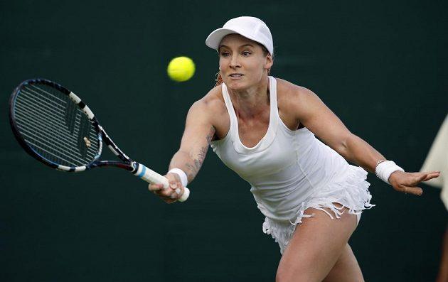 Bethanie Matteková-Sandsová z USA v utkání proti Lucii Šafářové.