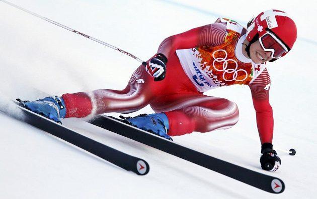 Švýcarská lyžařka Dominique Gisinová na trati sjezdu.