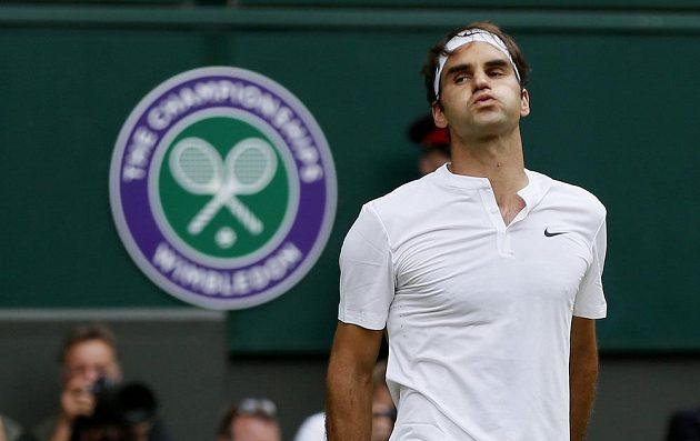 Legenda mezi všemi tenisty - Roger Federer si v této chvíli ještě mohl oddychnout.