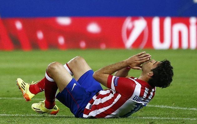 Fotbalista Atlétika Madrid Diego Costa si vyčítá zahozenou šanci proti Chelsea v semifinále Ligy mistrů.