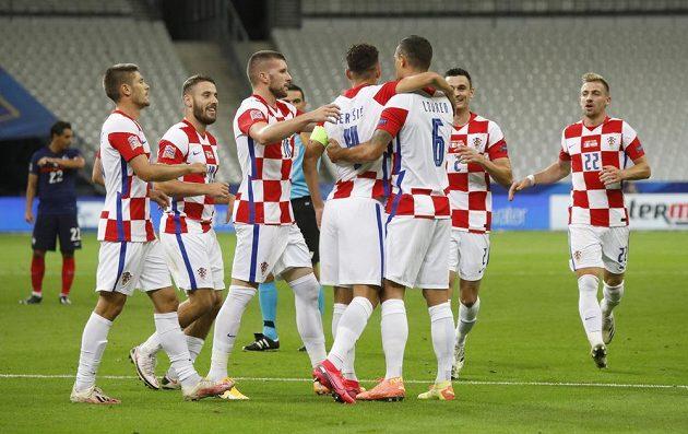Fotblisté Chorvatska se radují z branky