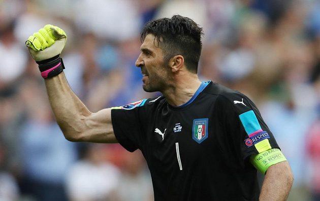 Italský trenér Gianluigi Buffon byl velkou postavou svého týmu. Proti Španělsku nekapituloval ani jednou.