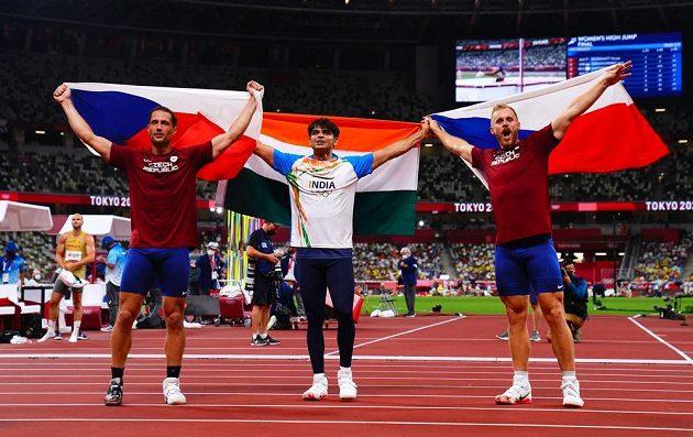 Tři nejlepší oštěpaři - zleva Jakub Vadlejch,Neeraj Chopraz Indie a Vítězslav Veselý