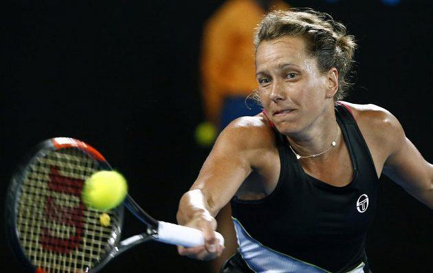 Tenistka Barbora Strýcová v českém osmifinále na Australian Open proti Karolíně Plíškové.