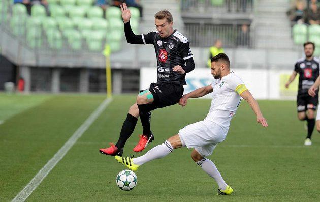 Zleva Milan Černý z Hradce Králové a Pavel Eismann z Karviné.