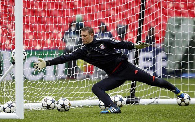 Brankář bavorského týmu Manuel Neuer v akci.