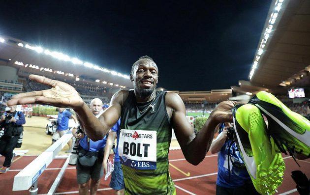 Jamajčan Usain Bolt po vítězství v Monaku.