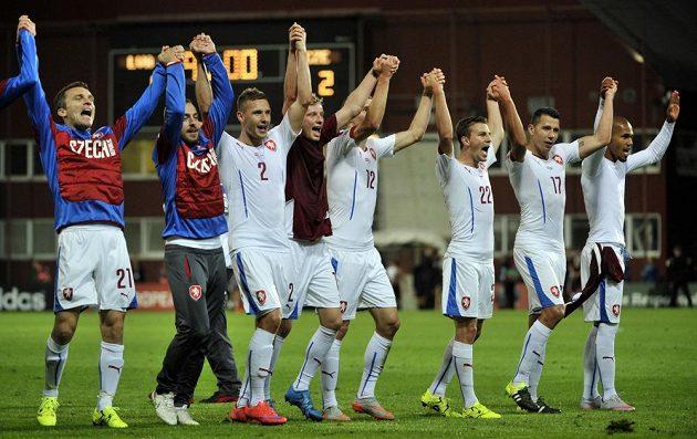A jsme tam! Češi v Rize slaví postup do Francie...